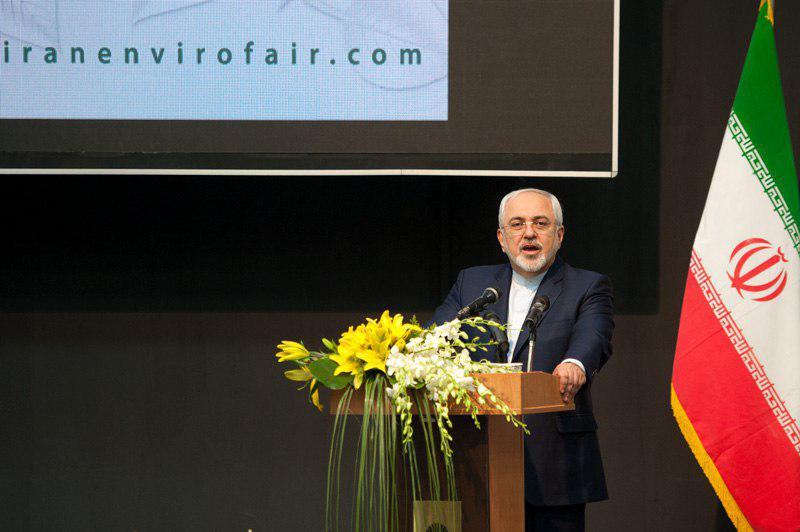 ظریف : سیاست های نادرست در منطقه منجر به بحران گردو غبار و کم آبی شده است